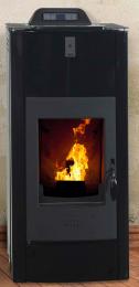 Lola 540 granulinė krosnelė, su šilumokaičiu, juoda