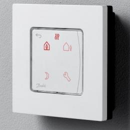 Icon™  su displėjumi, programuojamas, virštinkinis patalpos termostatas 230V/50Hz, temp. ribos 5-35C, 3(1)A/230V AC